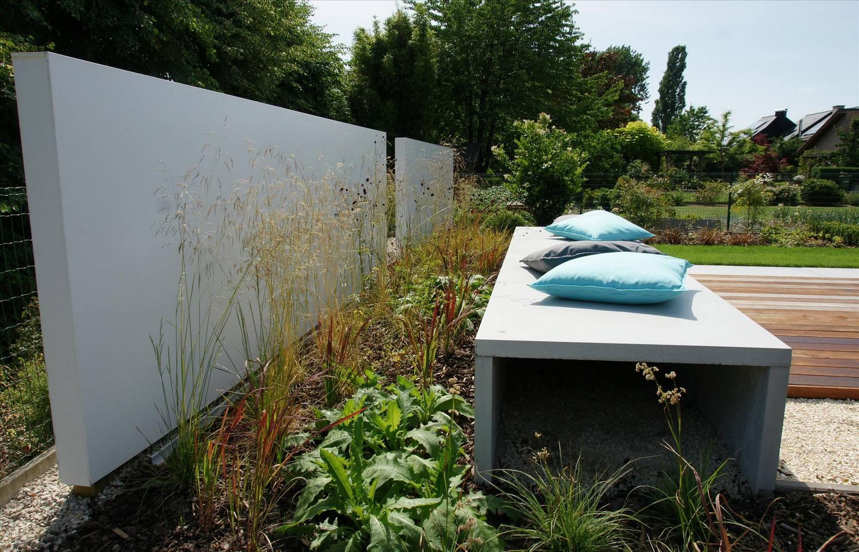 Eco tuinarchitectengroep projecten moderne lounge tuin - Muur zwembad ...