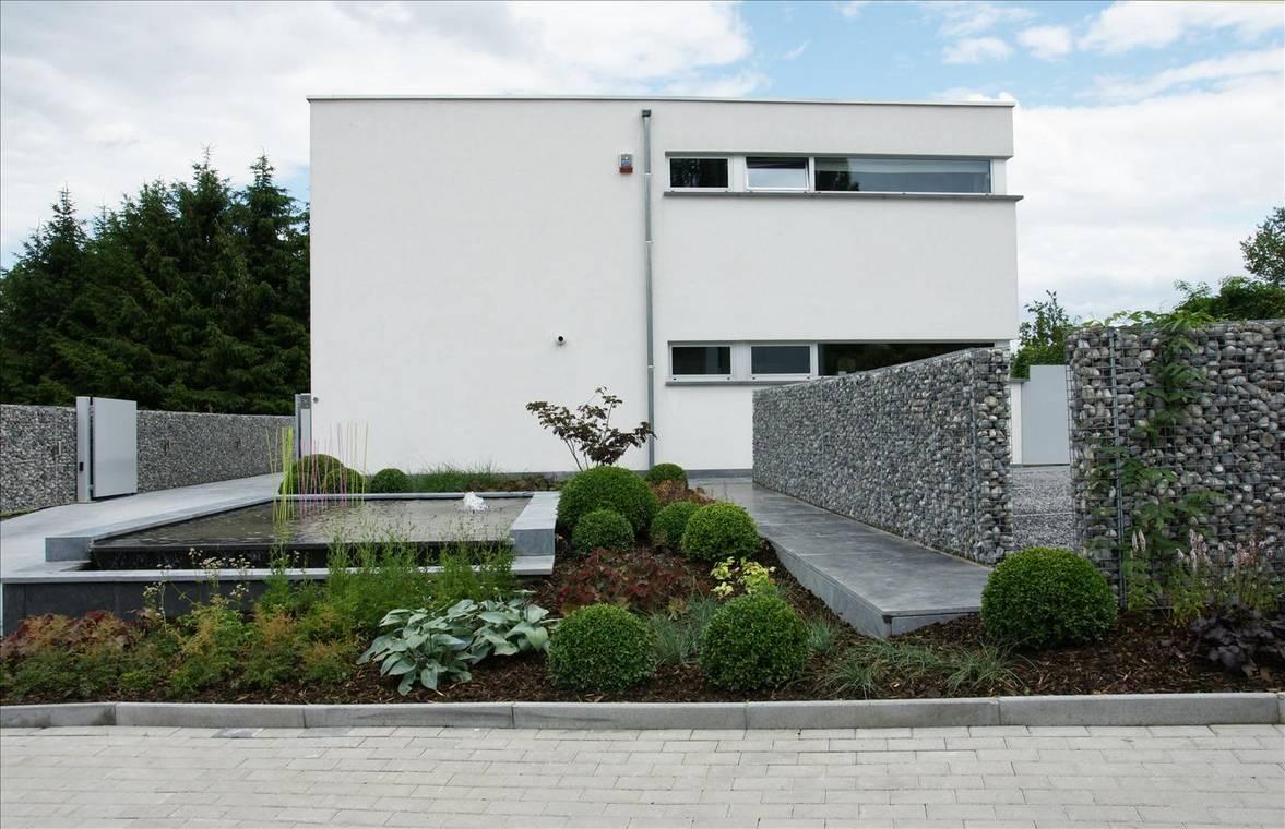 Eco tuinarchitectengroep projecten moderne voortuin ninove - Landschapstuin idee ...