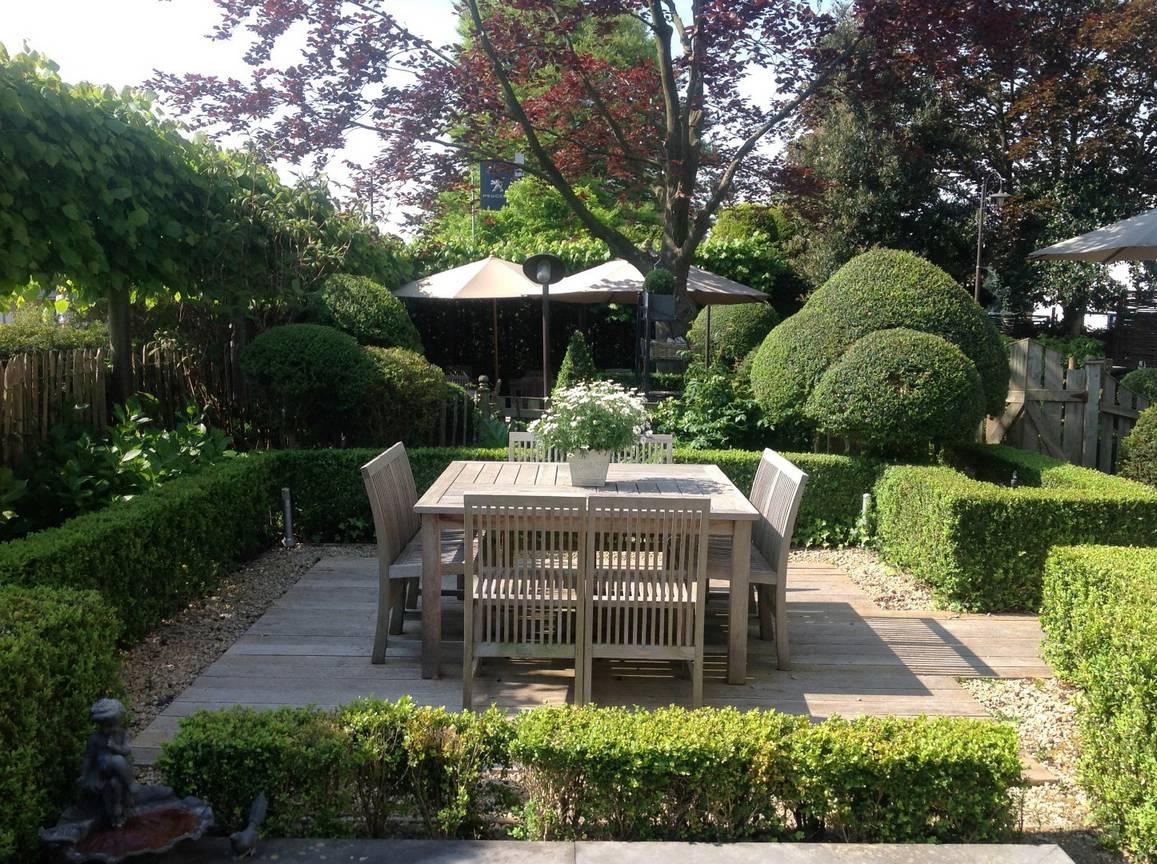 Eco tuinarchitectengroep projecten tuin bij restaurant - Claustra ontwerp pour terras ...
