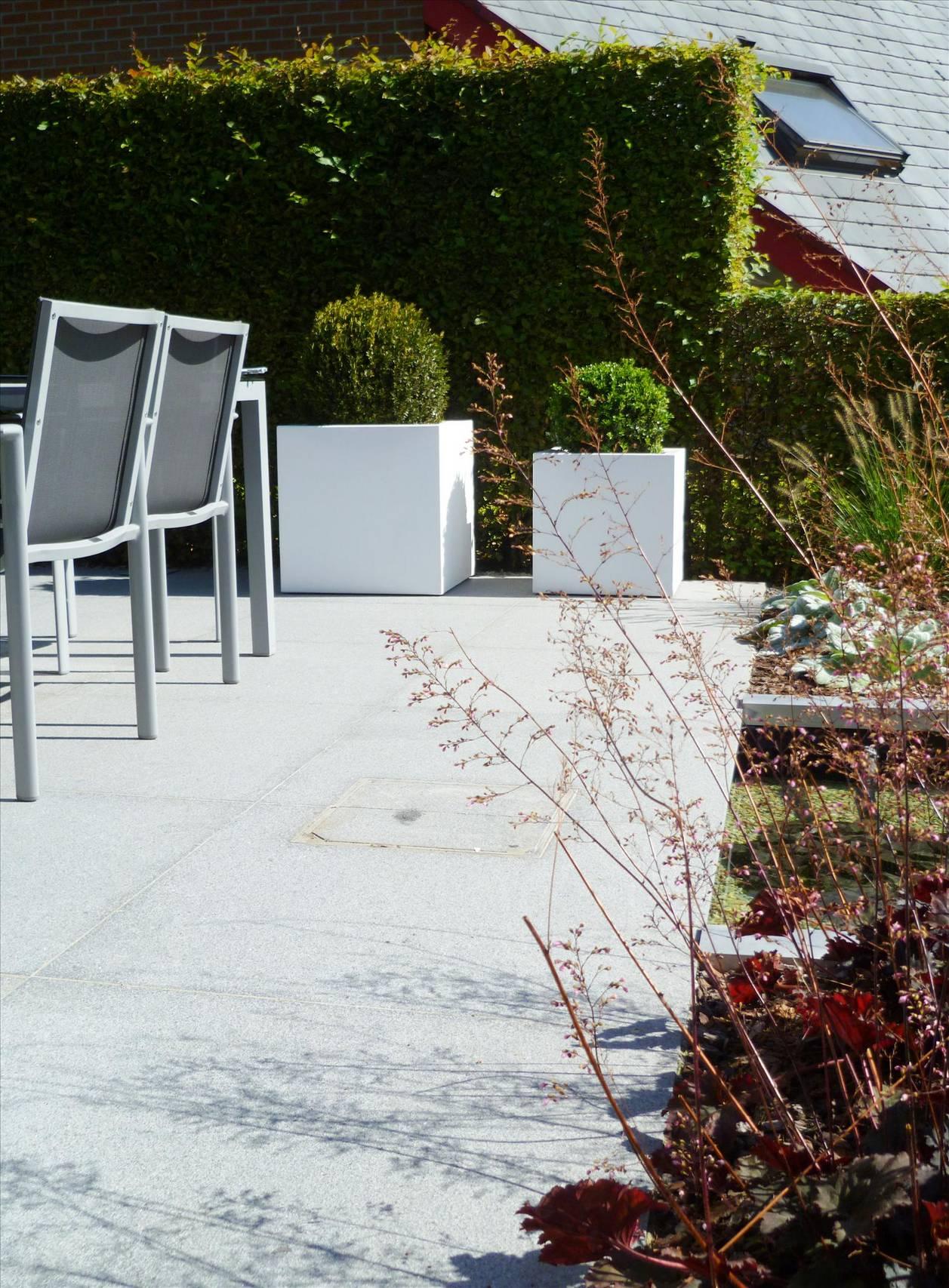 Eco tuinarchitectengroep projecten voortuin met schanskorven - Overdekt terras voor restaurant ...