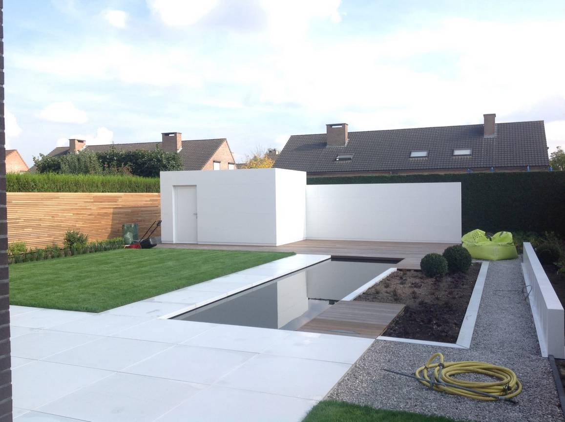 Eco tuinarchitectengroep projecten hedendaagse tuin for Moderne afsluiting tuin